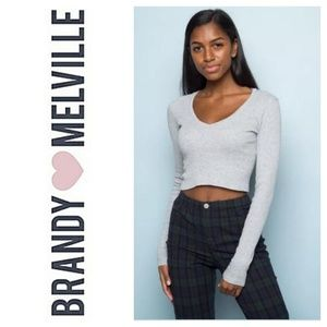 BRANDY MELVILLE Crop V Neck Sweater Ribbed Gray